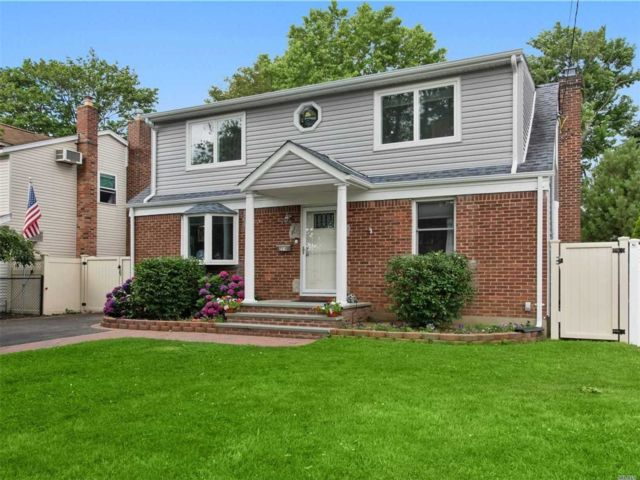 [Wantagh Real Estate, listing number 3116761]
