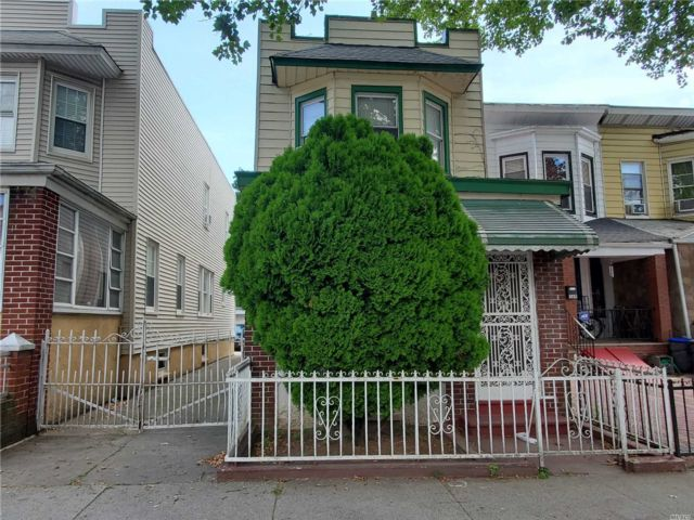 3 BR,  2.00 BTH Colonial style home in Flatlands