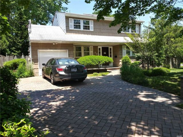 4 BR,  2.00 BTH  Colonial style home in Bay Shore