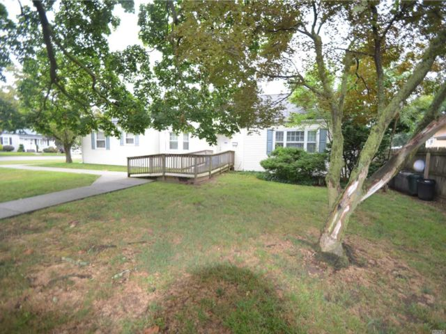 [Merrick Real Estate, listing number 3116925]