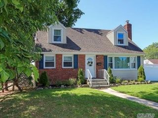 [Merrick Real Estate, listing number 3117044]