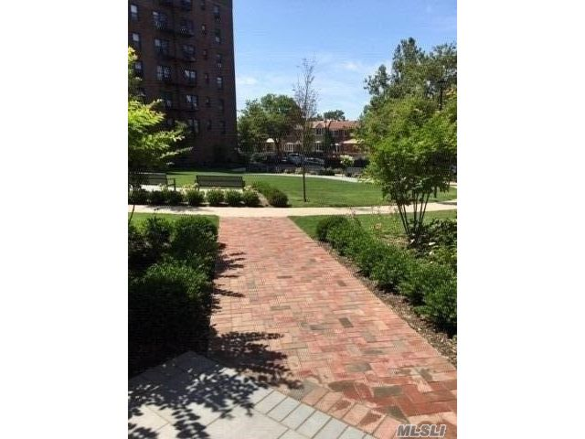 1 BR,  1.00 BTH Other style home in Kew Garden Hills