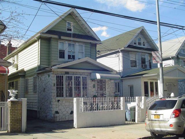 3 BR,  2.00 BTH Duplex style home in Jamaica