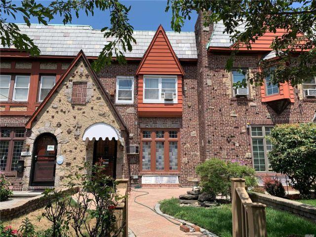3 BR,  2.00 BTH Tudor style home in Whitestone
