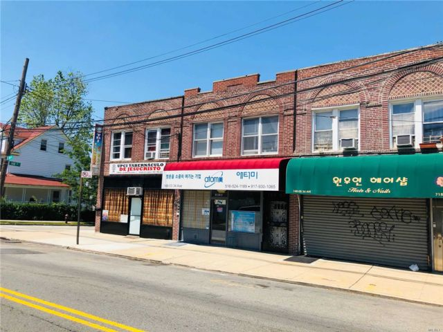 2 BR,  2.00 BTH Store+dwell style home in Flushing
