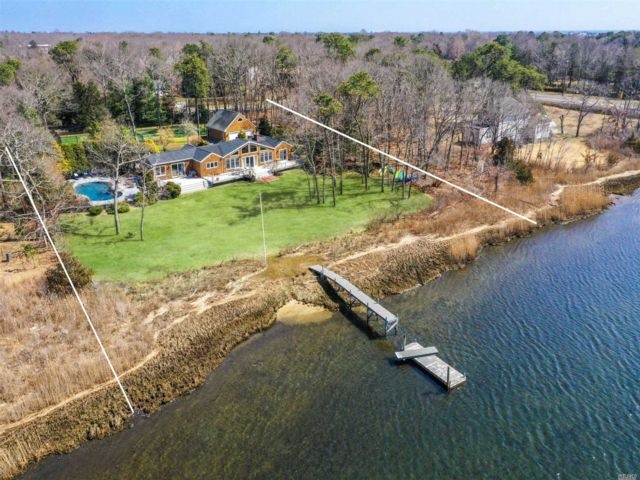4 BR,  3.00 BTH Ranch style home in Quogue