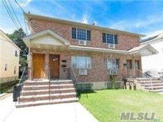 5 BR,  4.00 BTH 2 story style home in Springfield Gardens