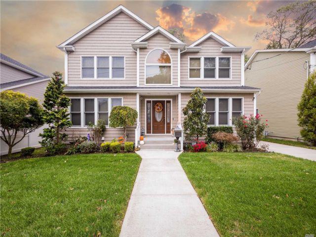[Merrick Real Estate, listing number 3117383]