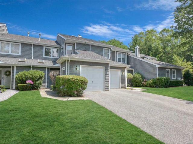 [Commack Real Estate, listing number 3117437]