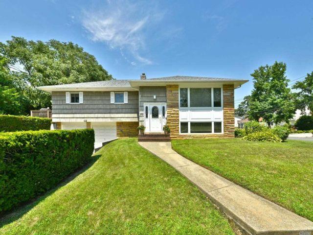 [Merrick Real Estate, listing number 3117522]