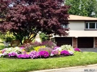 5 BR,  3.00 BTH Hi ranch style home in Bayside