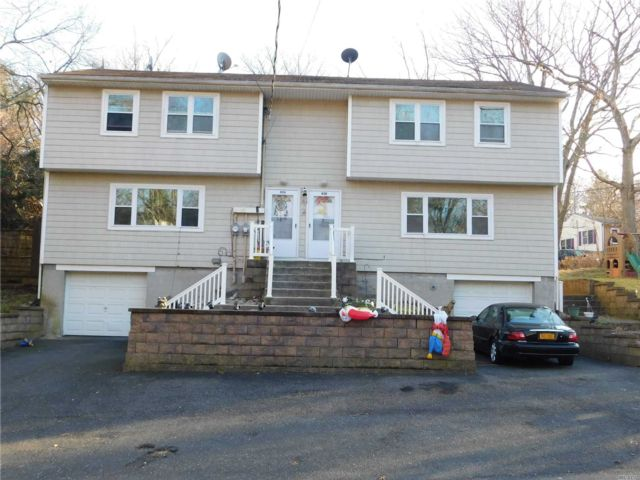 3 BR,  2.00 BTH Duplex style home in Rocky Point