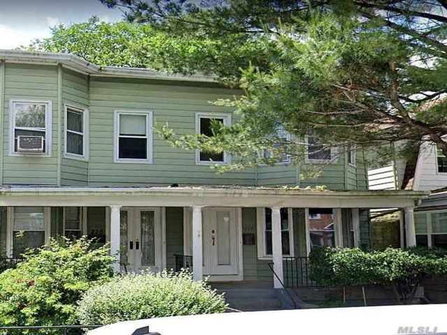 3 BR,  1.00 BTH  Colonial style home in Kensington