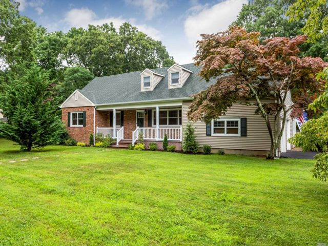 5 BR,  3.00 BTH Farm ranch style home in Great River