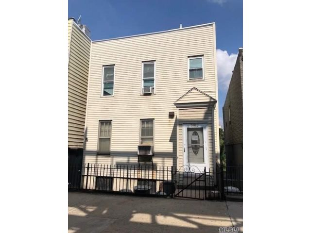 3 BR,  1.00 BTH  Other style home in Long Island City