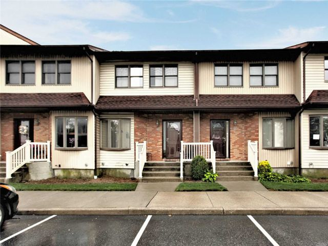 [Merrick Real Estate, listing number 3117793]