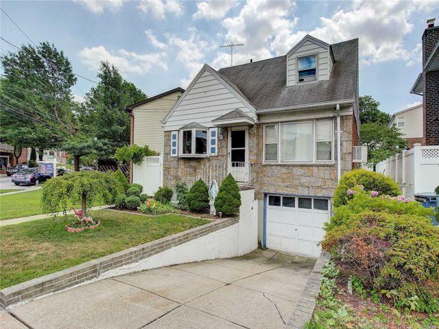 [Whitestone Real Estate, listing number 3117796]