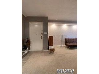 1 BR,  1.00 BTH Mid rise style home in East Elmhurst