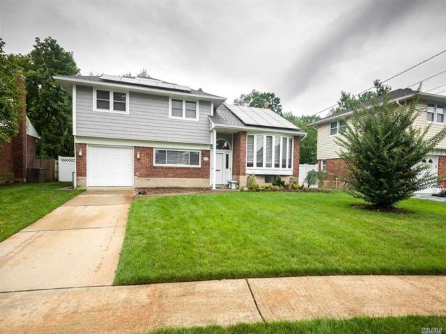 [Wantagh Real Estate, listing number 3117822]