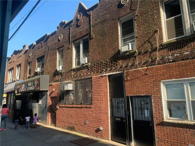6 BR,  2.00 BTH 2 story style home in Ozone Park