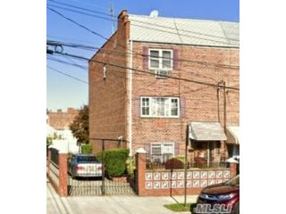 5 BR,  4.00 BTH  Other style home in East New York