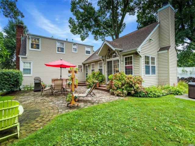 [Merrick Real Estate, listing number 3118049]
