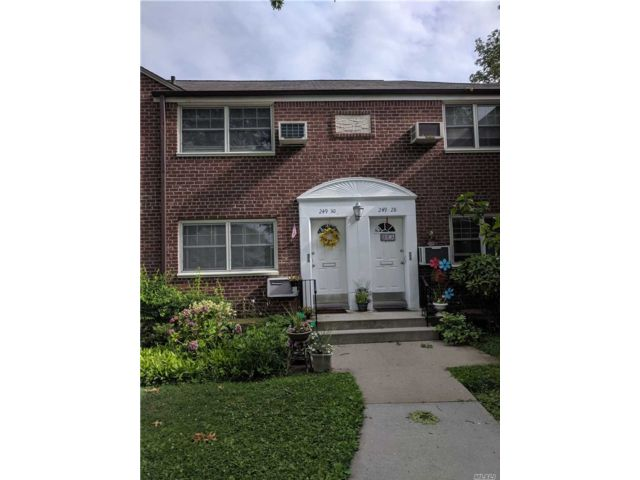 1 BR,  1.00 BTH Other style home in Little Neck
