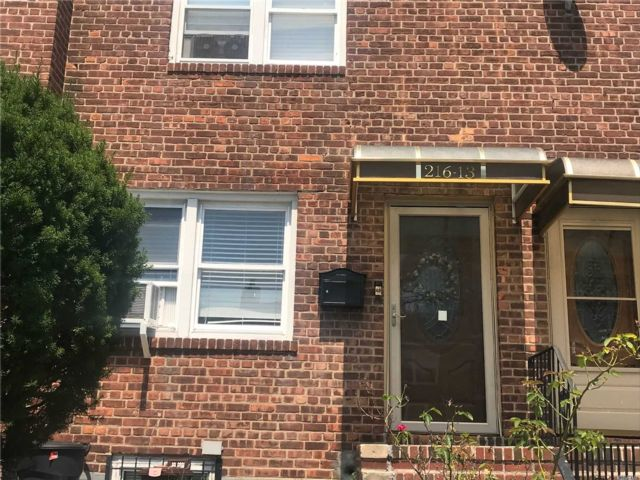 [Cambria Heights Real Estate, listing number 3118097]