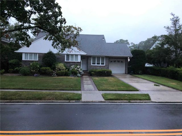 3 BR,  2.00 BTH  Cape style home in Rockville Centre