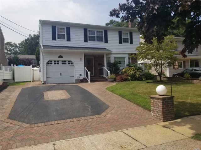 [Wantagh Real Estate, listing number 3118174]
