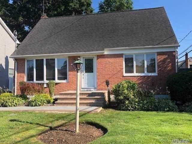 [Merrick Real Estate, listing number 3118257]