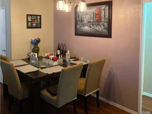 2 BR,  1.00 BTH High rise style home in Jackson Heights