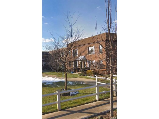 1 BR,  1.00 BTH Townhouse style home in Kew Garden Hills