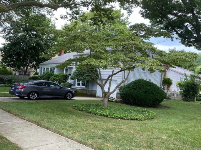 [Wantagh Real Estate, listing number 3118348]