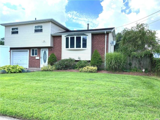 [North Babylon Real Estate, listing number 3118387]