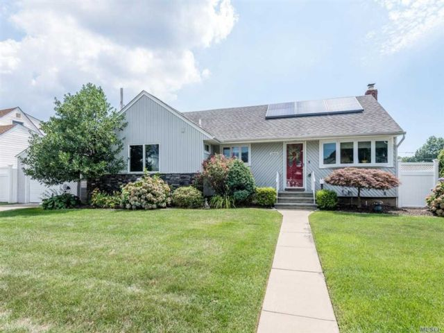 [Wantagh Real Estate, listing number 3118507]