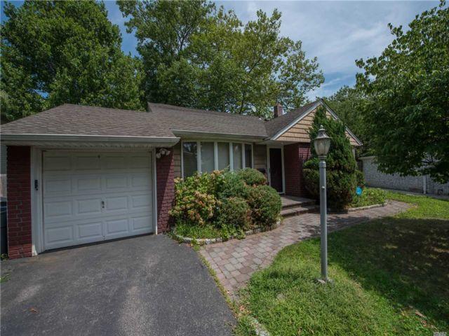 [Merrick Real Estate, listing number 3118540]