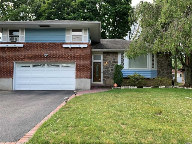 3 BR,  3.00 BTH  Split level style home in Syosset