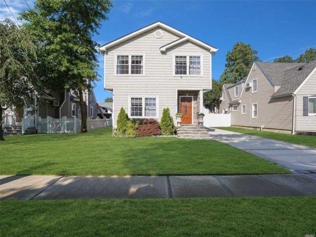 [Merrick Real Estate, listing number 3118702]