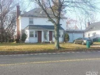 4 BR,  3.00 BTH Colonial style home in Valley Stream