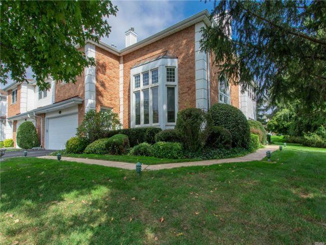 [Commack Real Estate, listing number 3139975]