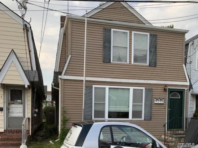 4 BR,  2.00 BTH 2 story style home in Cedarhurst