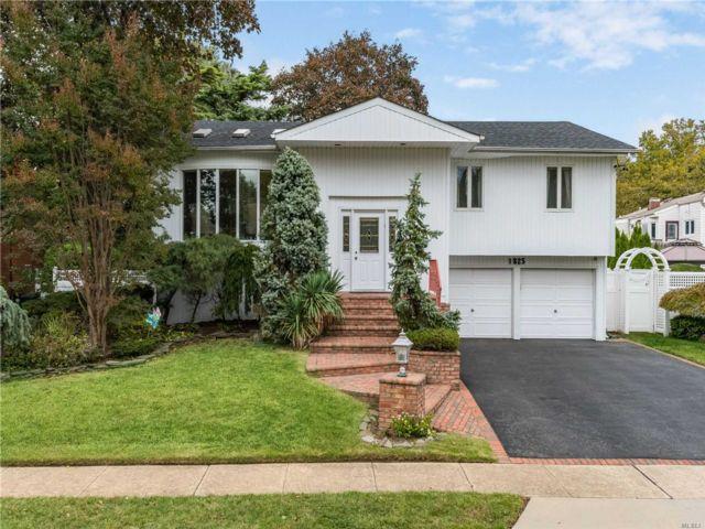 [Merrick Real Estate, listing number 3140133]