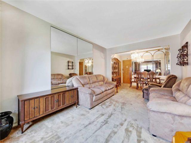 [Jackson Heights Real Estate, listing number 3140214]