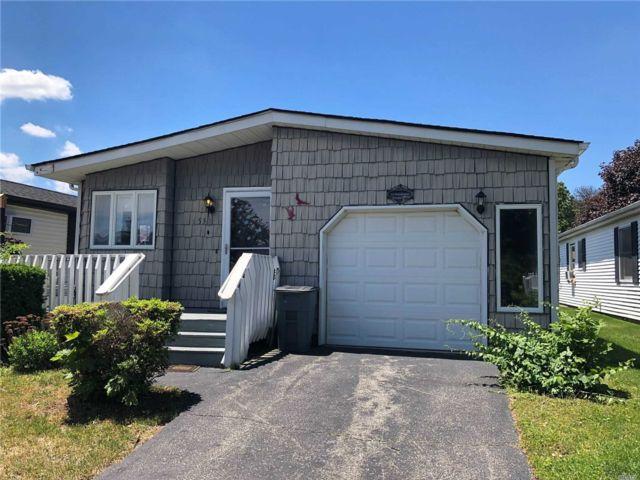 [Manorville Real Estate, listing number 3140230]