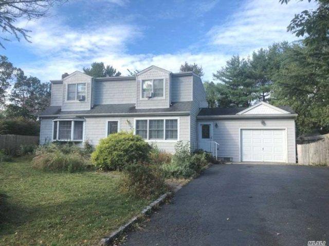 [Commack Real Estate, listing number 3140242]