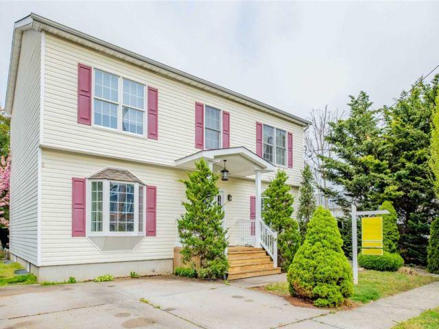 [Farmingdale Real Estate, listing number 3140861]