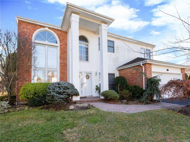 [Commack Real Estate, listing number 3140925]