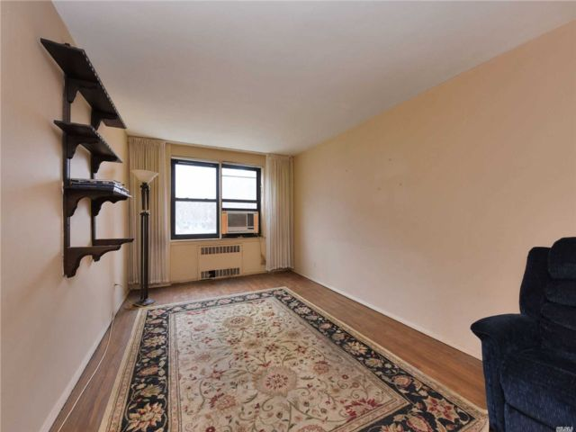 [Flushing Real Estate, listing number 3140928]