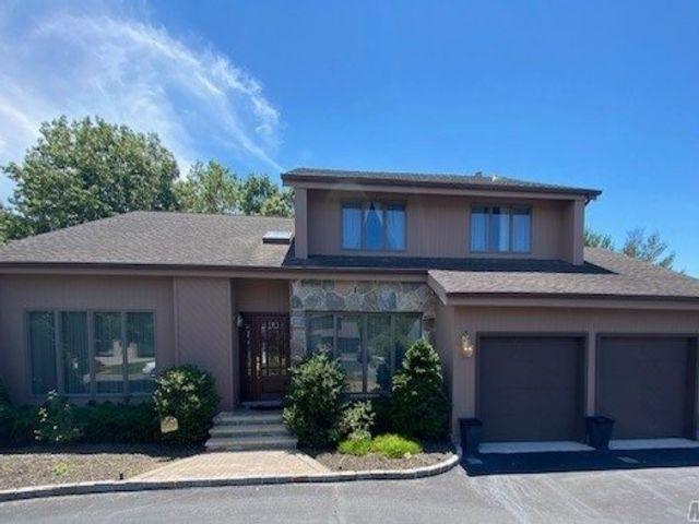 [Commack Real Estate, listing number 3141291]